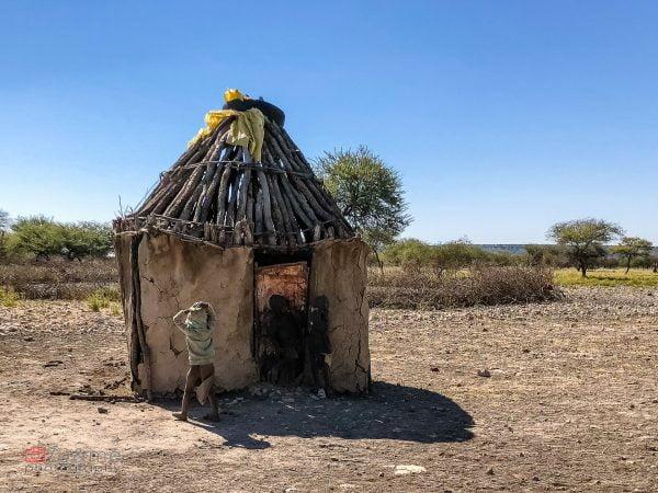 Chatka w wiosce Himba