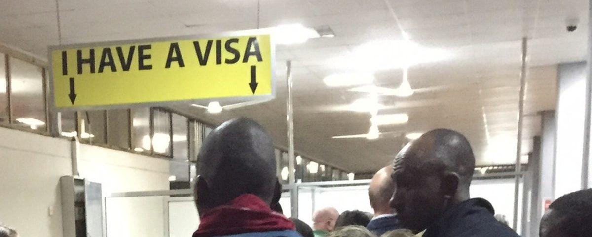 I have a VISA - tabliczka na lotnisku w Tanzanii