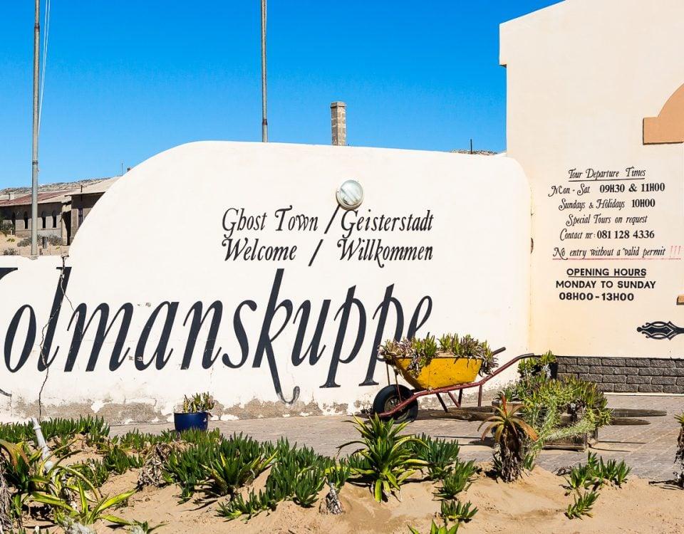 Kolmanskop - wejście do miasta